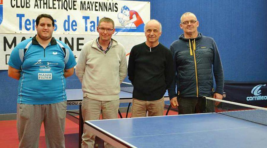 Kevin Hego, l'entraîneur du club de Mayenne, Stéphane Hauzeray, vice-président, Loïc Piron, secrétaire, et Olivier Janot, président. | Ouest-France